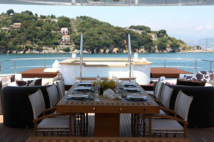 Zaliv III sundeck dining